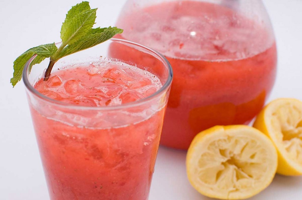 sparkling-strawberry-lemonade-1